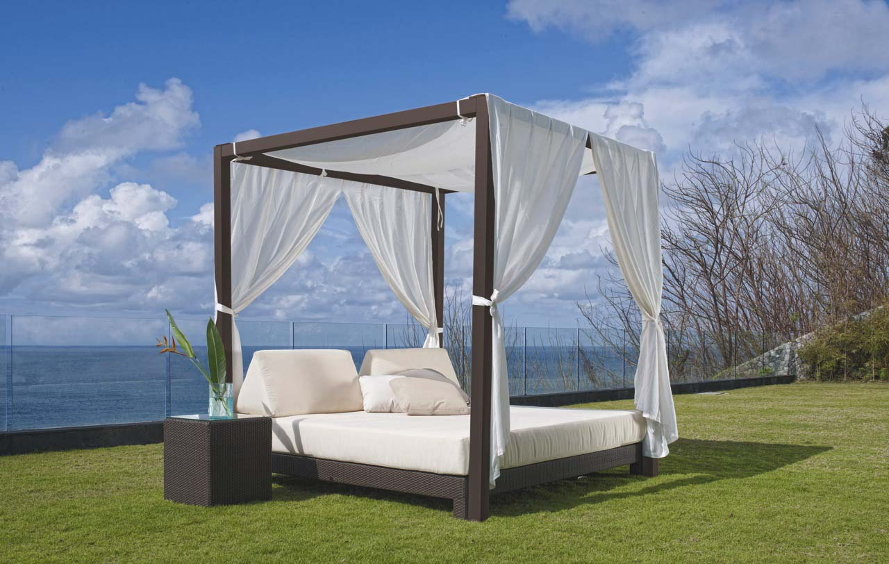 Outdoor Canopy Bed Mattress