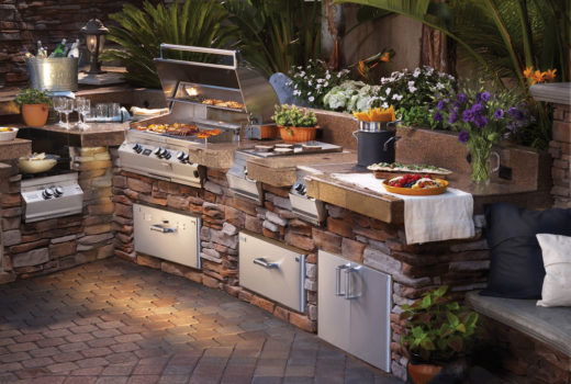 Design-Ideas-for-a-Practical-Outdoor-Kitchen-Picture